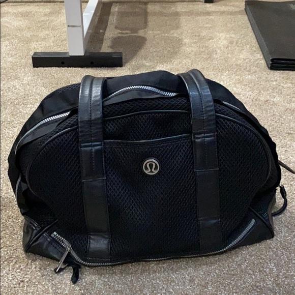 Lululemon workout travel bag